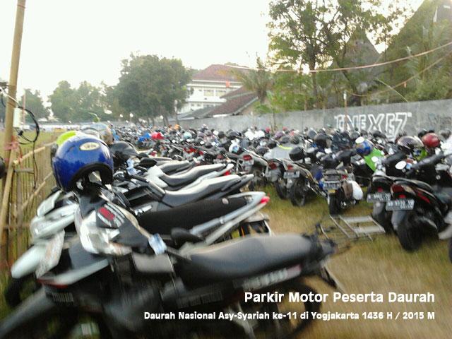 parkir-motor-peserta